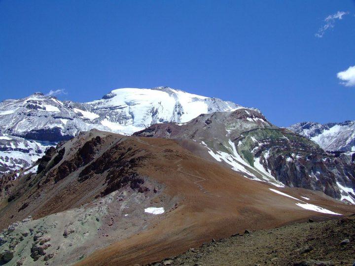 Cerro Pintor por el día